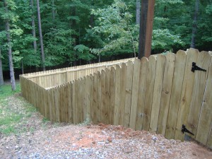 A great fence to keep your pets in.